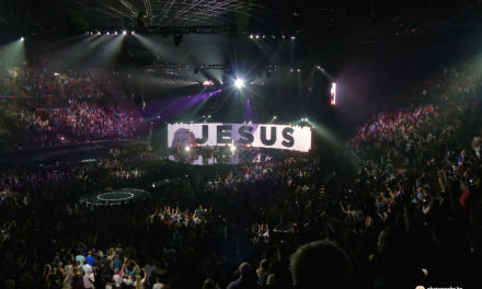 VIDEO : HILLSONG Christmas Carols Spectacular