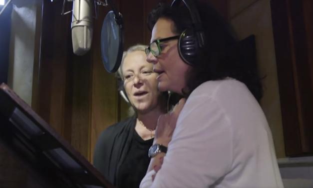 Le politique en chanson : faut-il avoir peur de votre maire quand il chante ?