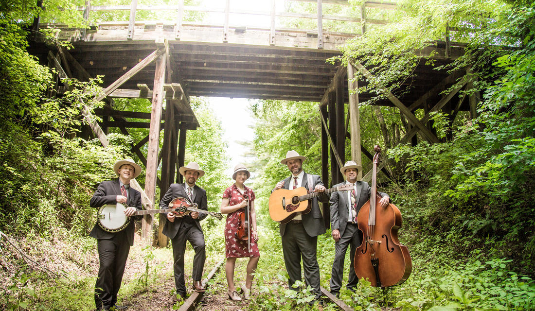 VIDEO : Carolina Blue Band – Rusty Rails