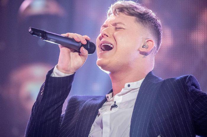 VIDEO : Un chanteur de rue à l'eurovision en 2019 en Israël