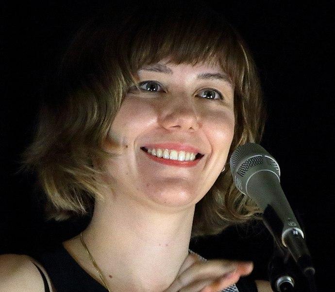 VIDEO : Molly Tuttle in concert – With Joe K. Walsh & John Mailander ( April 8, 2017)