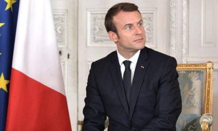 Si Macron pense à gauche, pourquoi le voit-on à droite ?