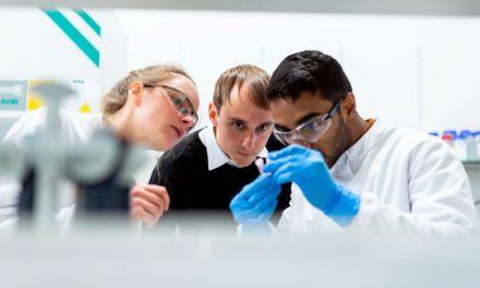 La menace du COVID-19 force les scientifiques à partager leurs découvertes, et c'est une révolution pour la science !