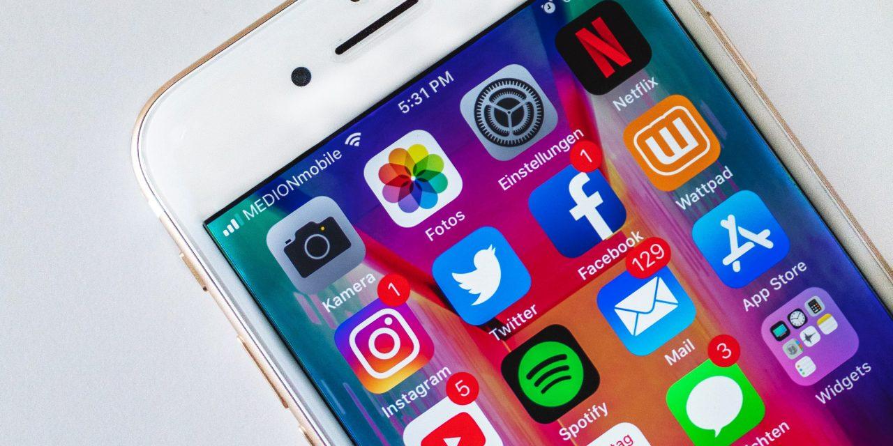 Facebook, Snapchat, Instagram : les réseaux sociaux font aussi du bien aux adolescents !
