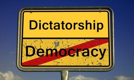 VIDEO : 8 conseils pour devenir un bon dictateur !