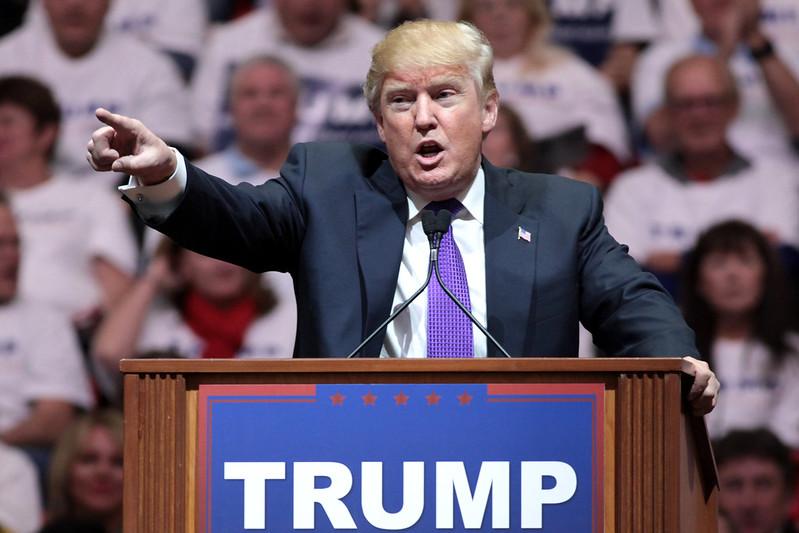 Fact check US : Donald Trump peut-il s'accrocher au pouvoir ?