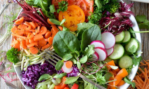 Bien manger peut contribuer à éloigner la Covid-19 (et d'autres maladies)