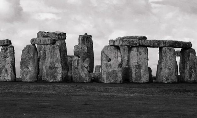 Les pierres bleues mégalithiques de Stonehenge viennent de loin, très loin