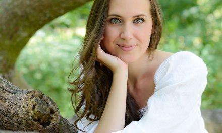PODCAST : Explorez l'univers de la chanteuse Quebecoise Viky De Witte